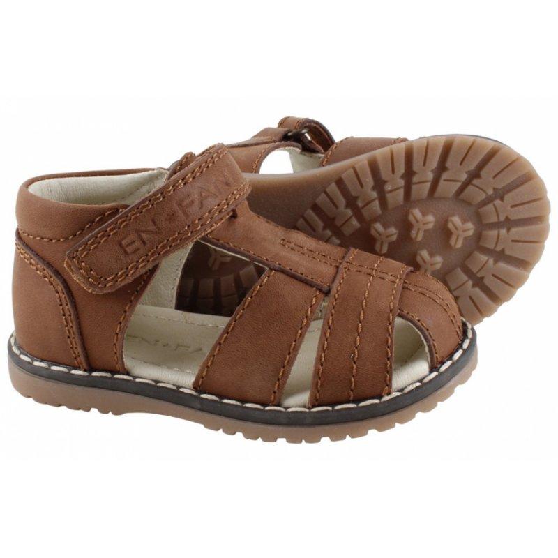 En Fant Sandaler